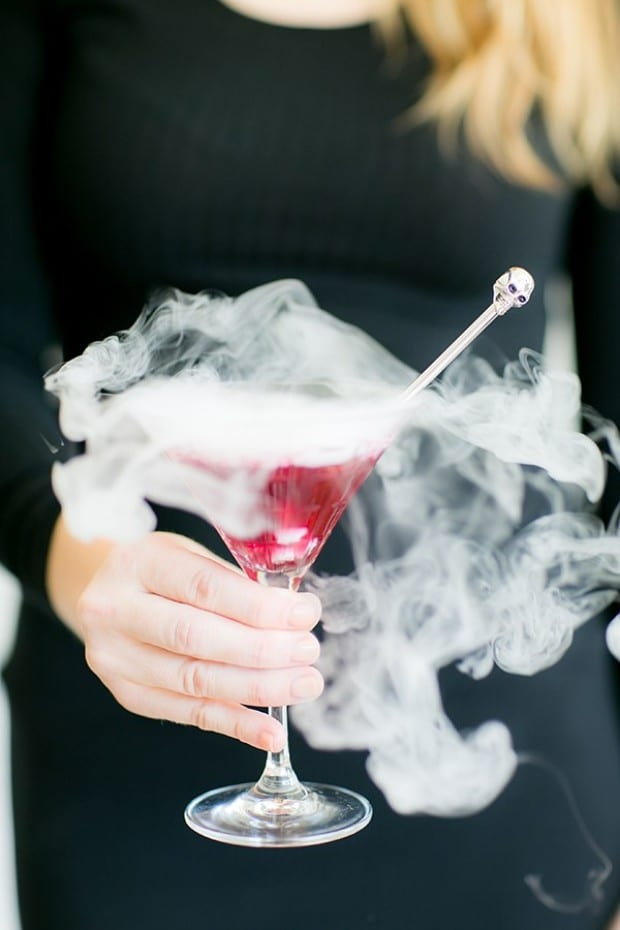 How to make Smoking Cocktails with Dry Ice (or not!) | The