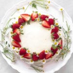 Easy strawberry cake with chamomile flowers