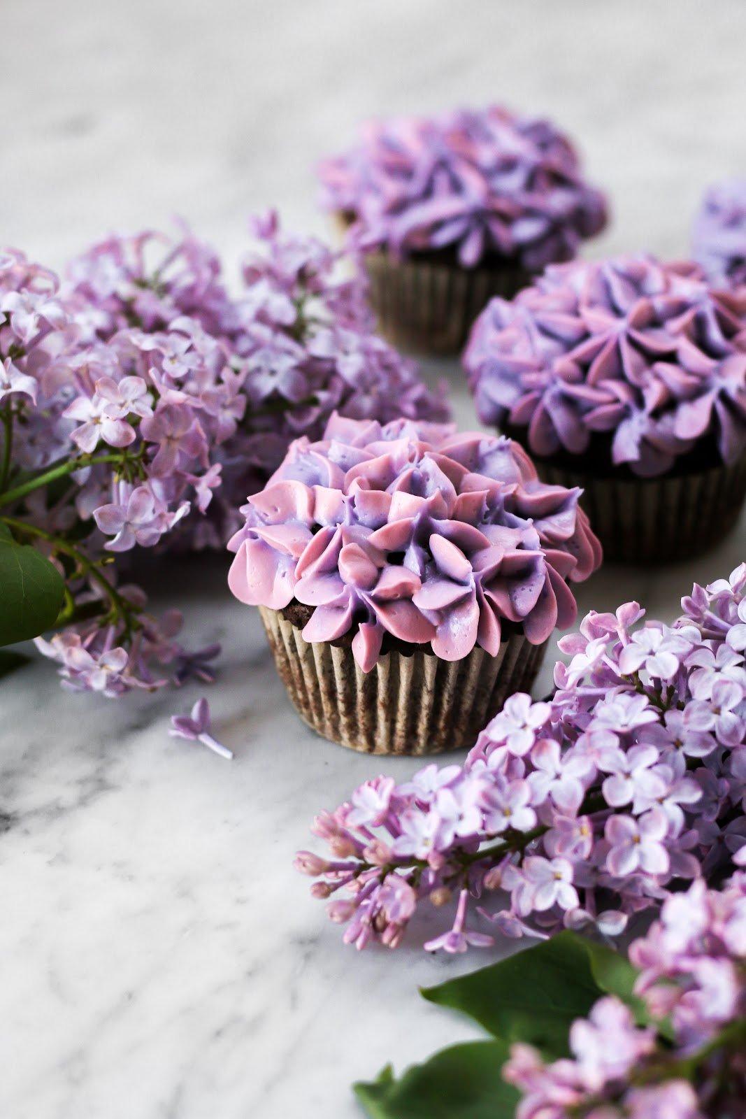Lilac Chocolate Cupcakes