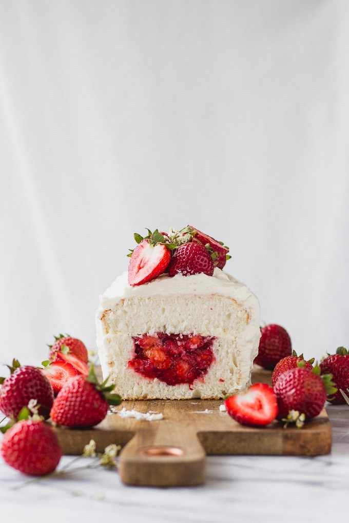 Angel Food Cake With Strawberry Filling