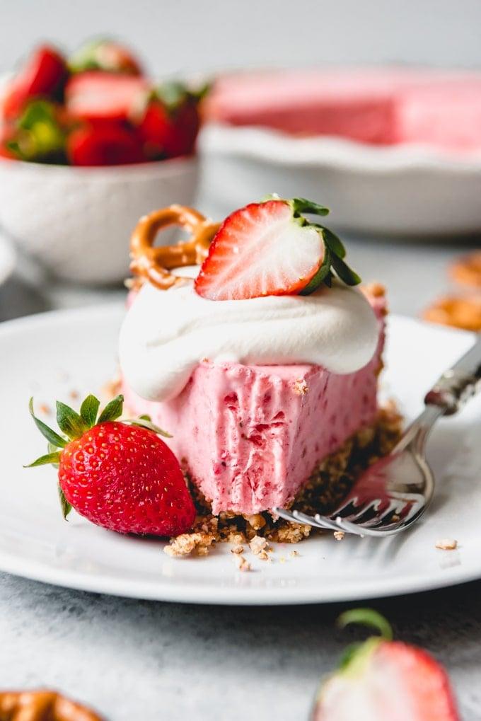 Strawberry Pretzel icebox Pie
