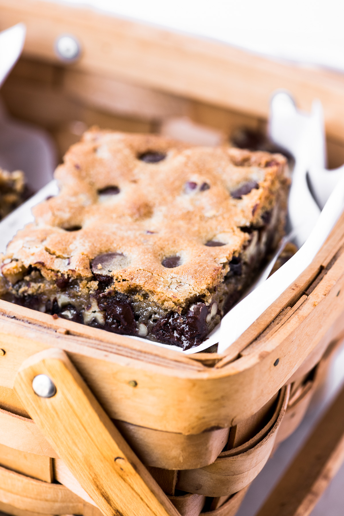 Toasted pecan and dark chocolate blondie in a basket