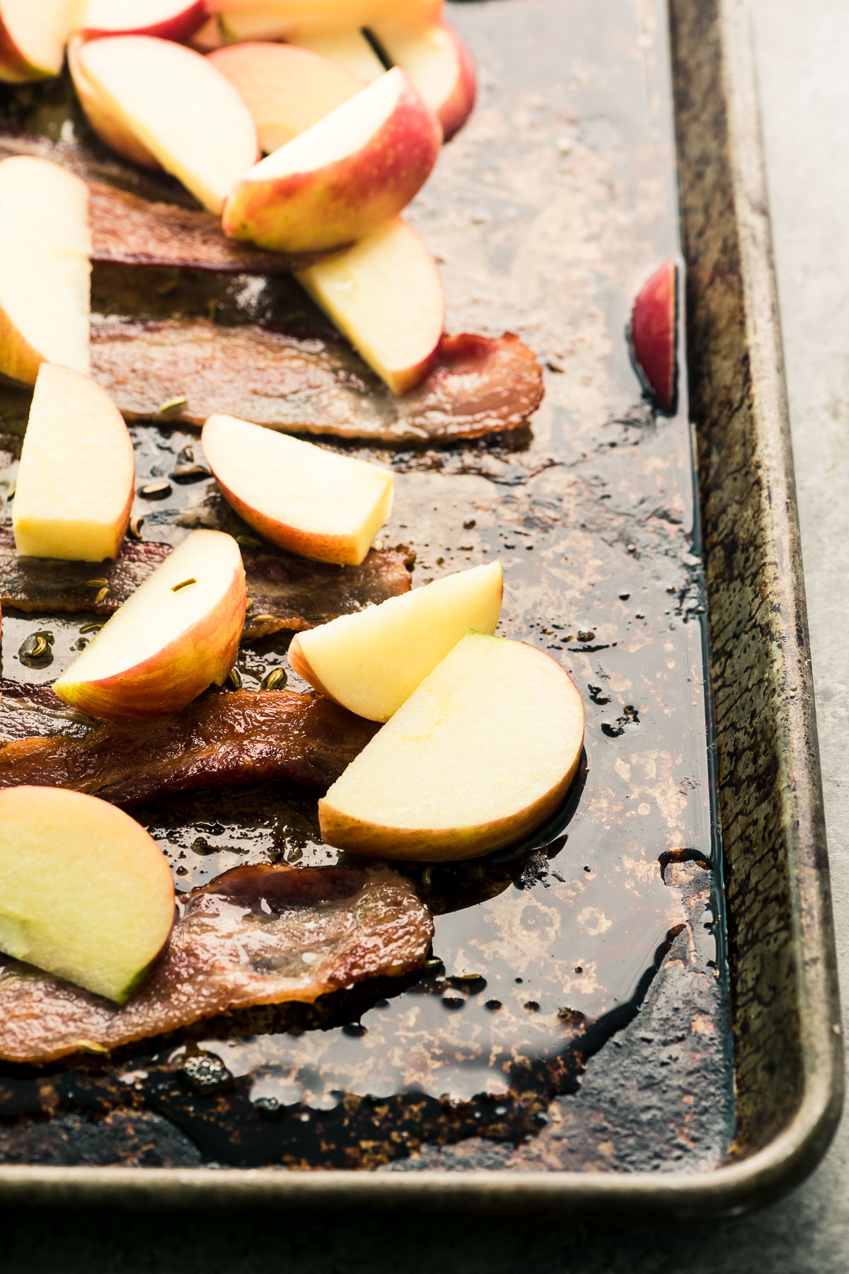 roasting apples and bacon
