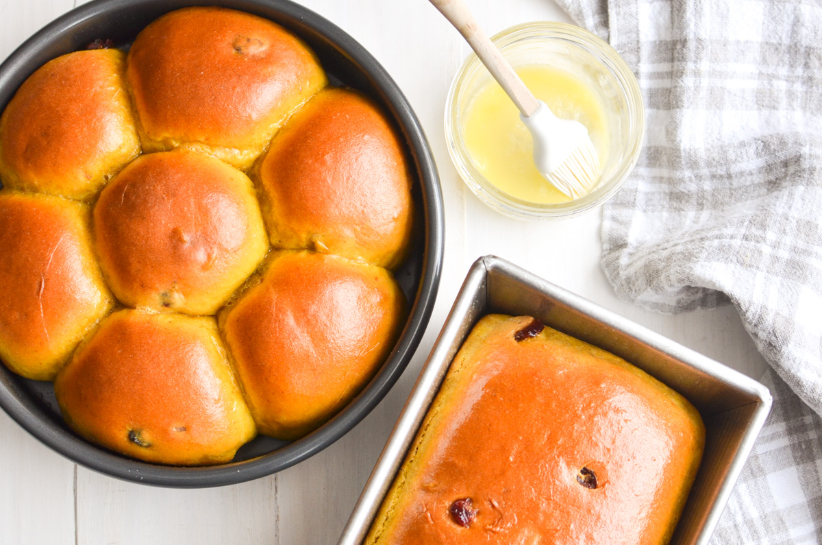 Cranberry pumpkin dinner rolls.