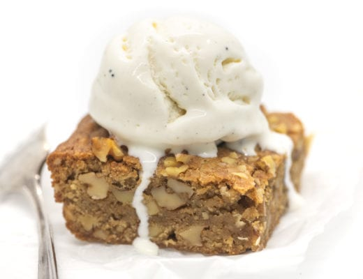 maple walnut blondie a la mode