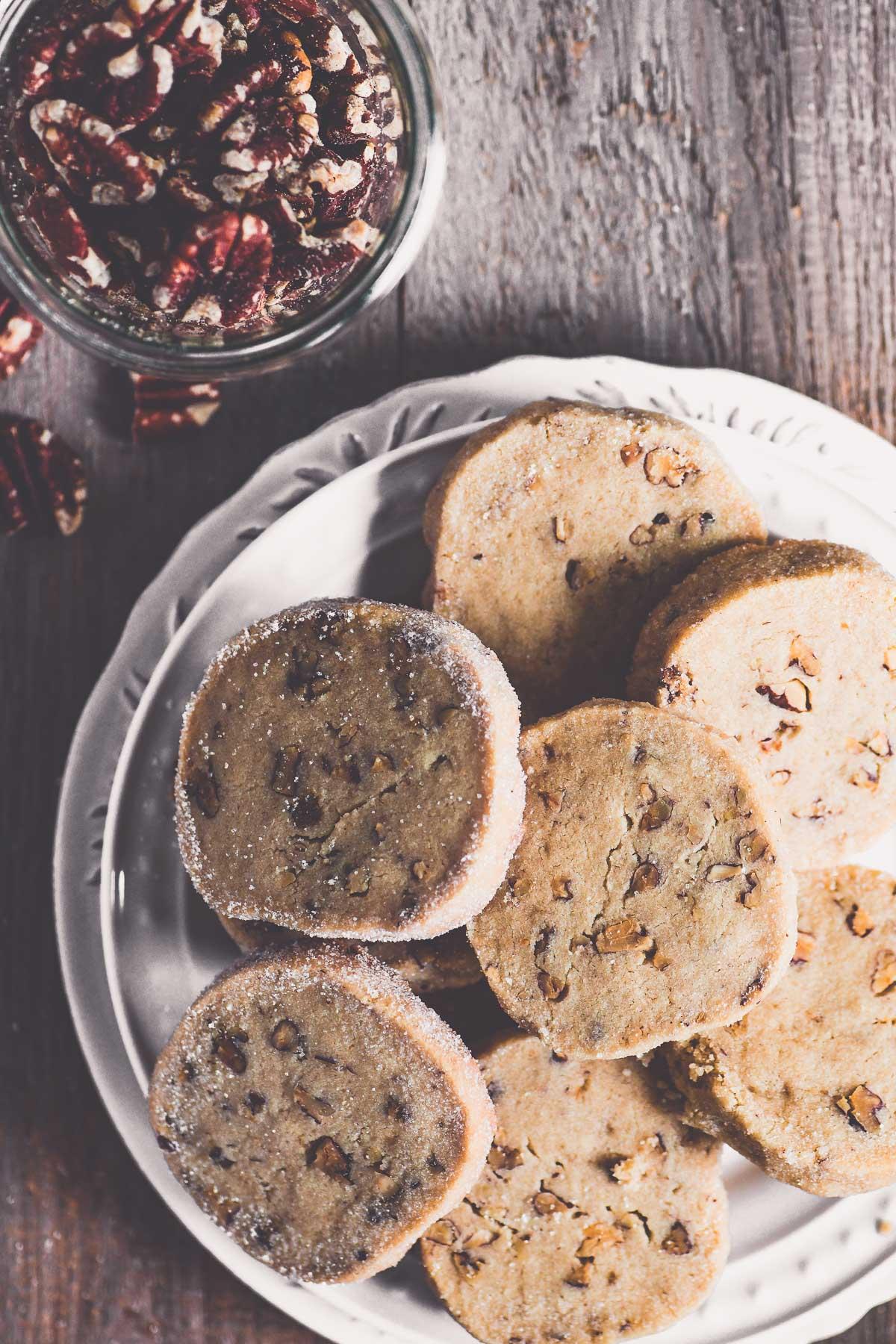 pecan sandies on a plate