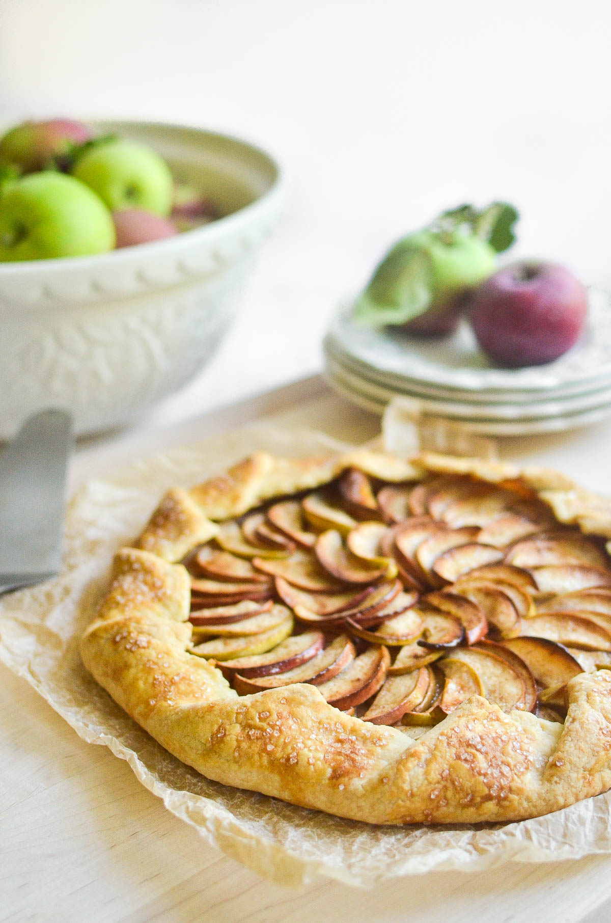 an apple galette with apples