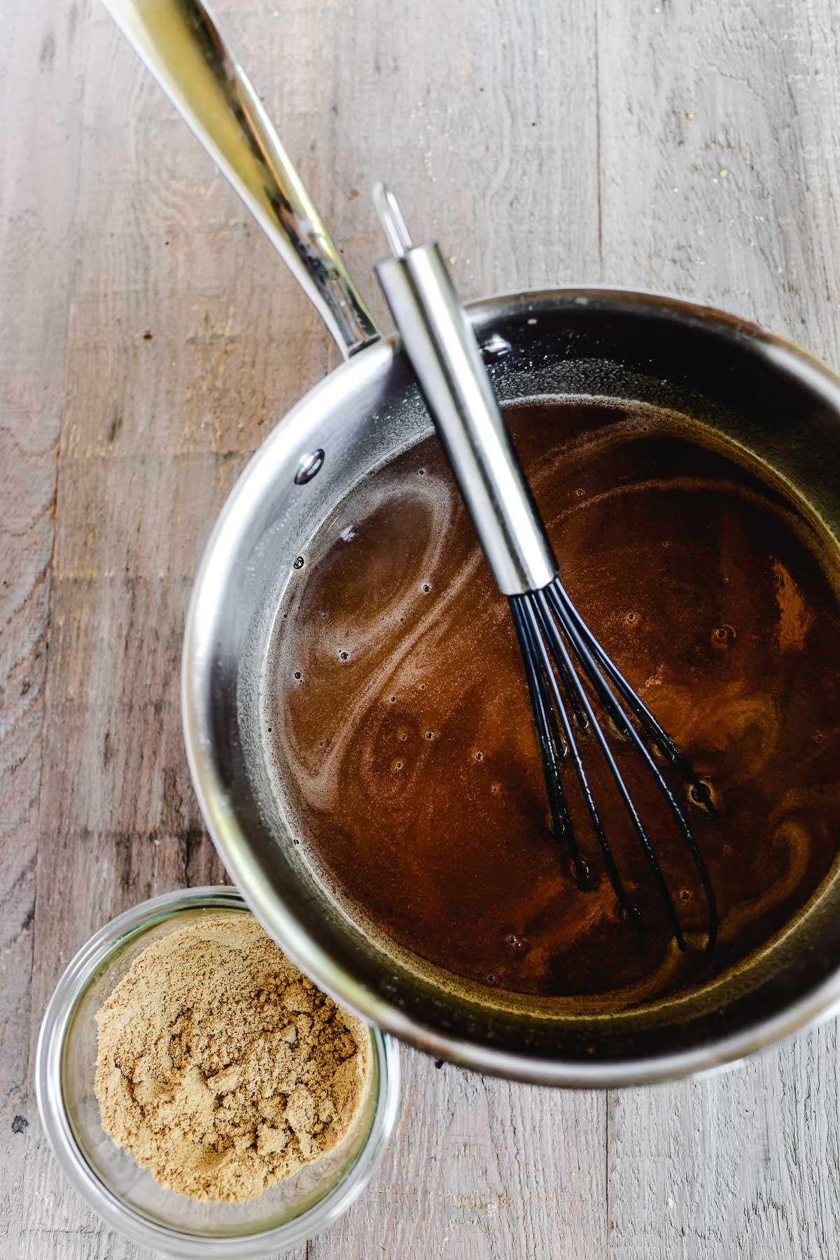 Thickening Sauerbraten gravy with crushed gingersnaps