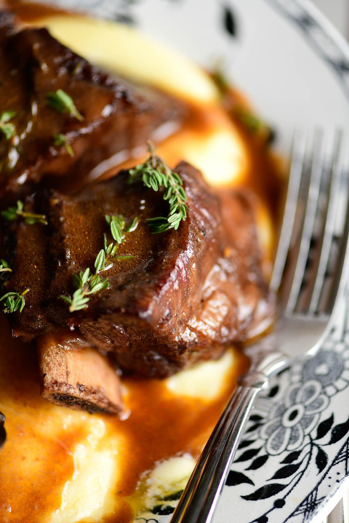 Short ribs with wine gravy, on polenta