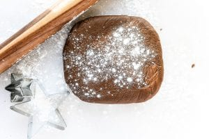 chilled gingerbread dough with rolling pin