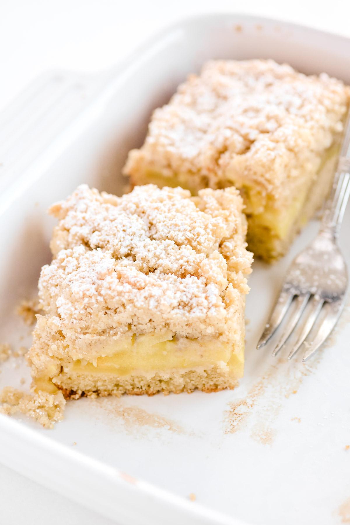 apple crumb bars in baking pan