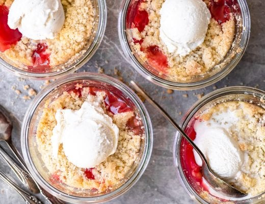 individual rhubarb crisps in glass jars