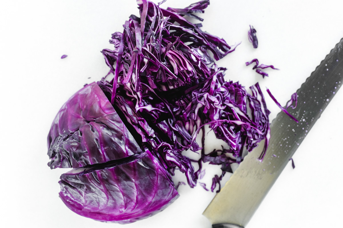 slicing red cabbage